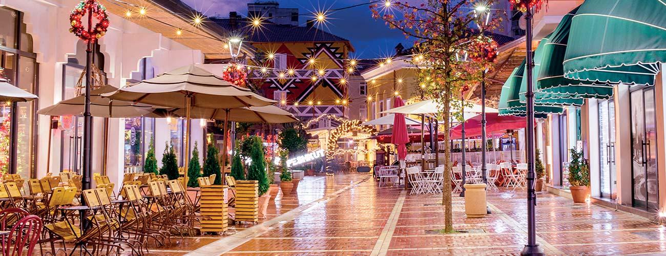 Vue nocturne de Tirana