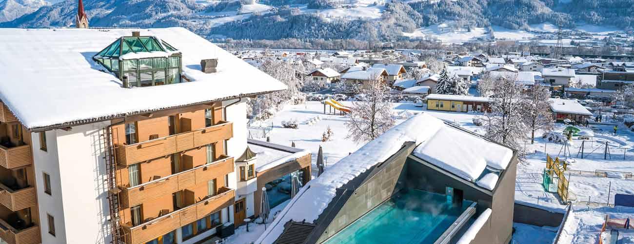 Hôtel Schwarzbrunn sous la neige