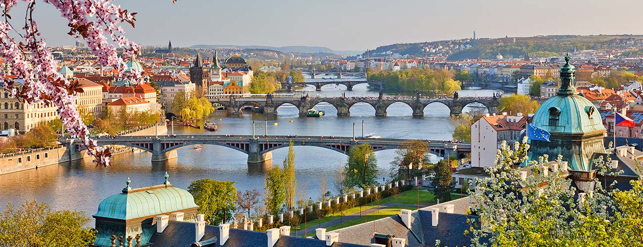 Vue de Prague au Printemps