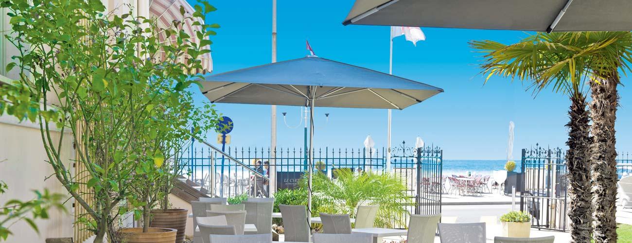 Hôtel Vacances Bleues Le Balmoral 3*, à Menton