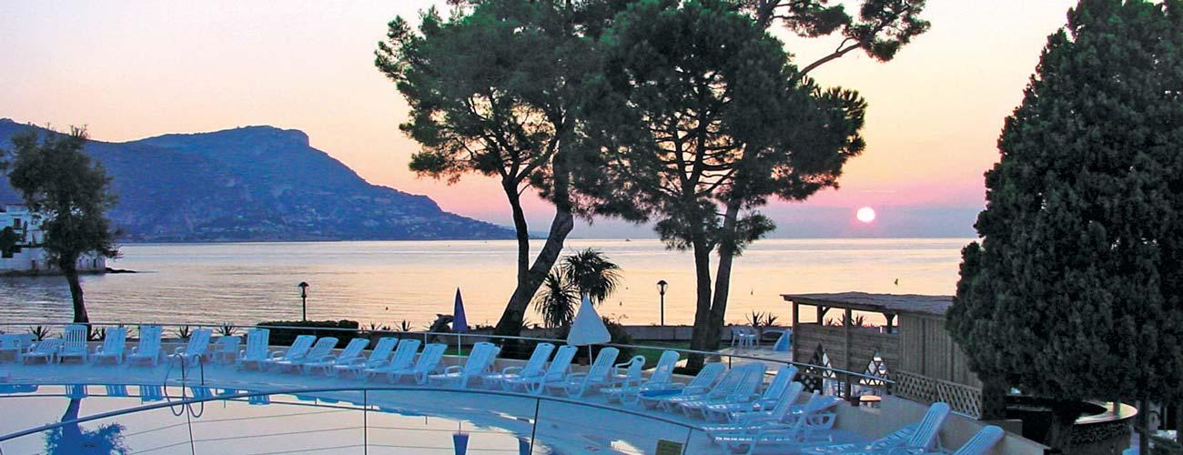 Hôtel Vacances Bleues Delcloy 3*, à Saint-Jean-Cap-Ferrat