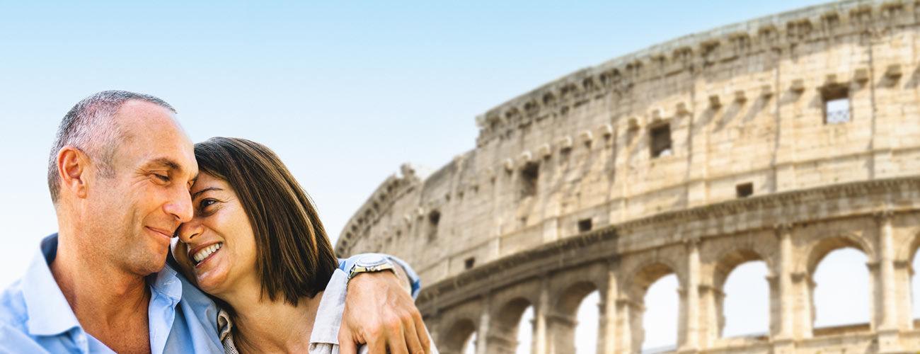 Touristes heureux à Rome, en Italie