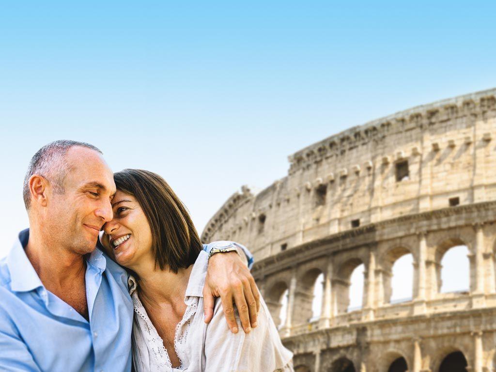 Touristes heureux à Rome