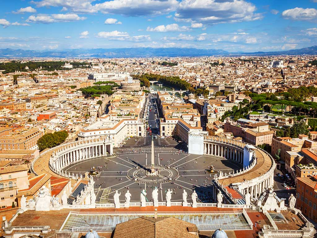 La place Saint-Pierre, à Rome