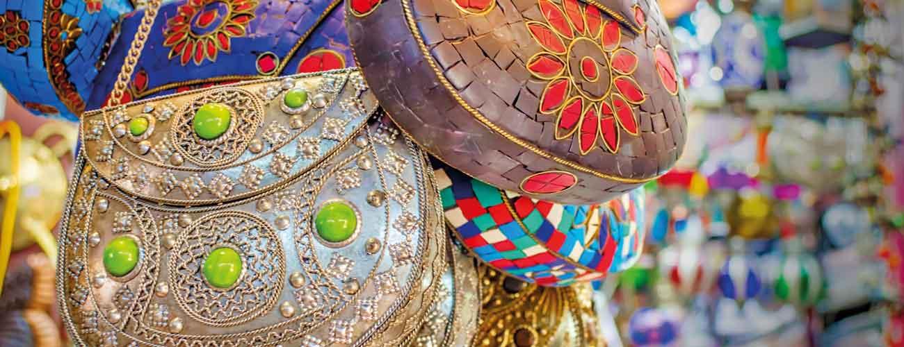 Souvenirs dans un souk d'Oman