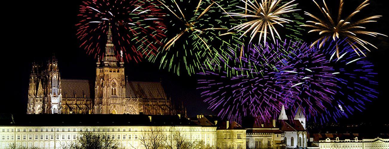 Feux d'artifice du Nouvel An à Prague